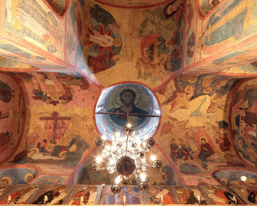 Fresco painting in dome and on walls of the Church of the deposition of the Robe